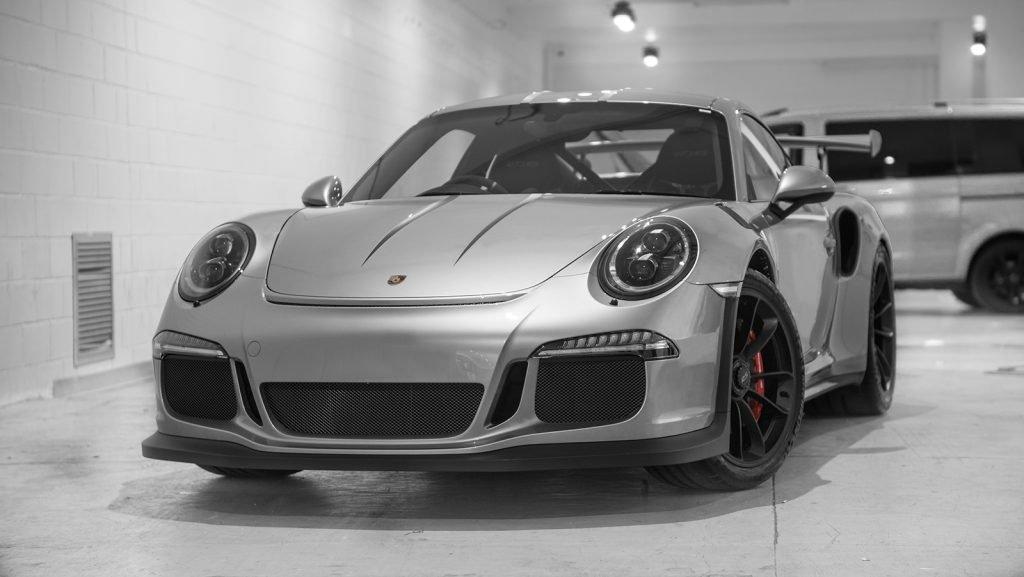 Porsche GT3 RS silver black stripes